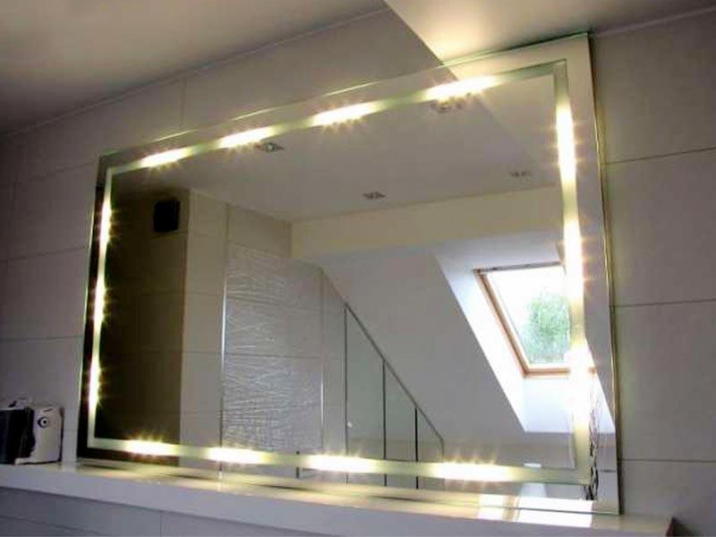 Как сделать подсветку зеркала светодиодной лентой